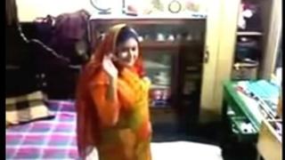 Desi bhabhi bangla hawt clip