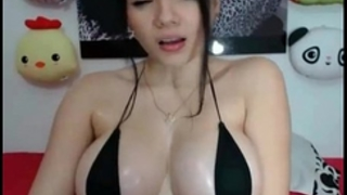 Great and good cam model doing enjoyment things online for all to watch