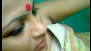 Desi kharagpur bhabhi lascivious fuck with devar - indian porn vids