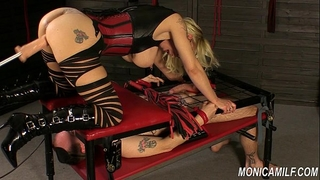 Monicamilf is squiring on her femdom serf - norwegian kink