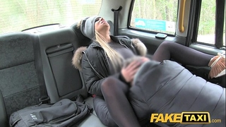 Fake taxi housewife craves drivers shlong to keep her warm