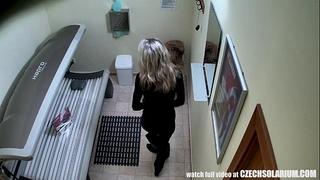 Blonde horny white wife caught is solarium