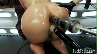 Pussy licking lesbian babes fist and toy slit