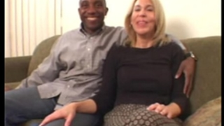 Amateur mama resolves to take on a large dark dong in interracial movie