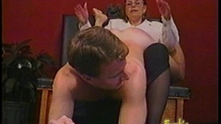 Kinky fellow gets some hardcore flogging from a bespectacled slag