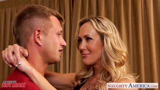 Busty golden-haired mamma brandi love suck and fuck 10-Pounder