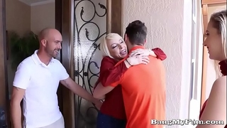 Naughty girlfriend sierra nicole opens her juicy cooze for boyfriends papa