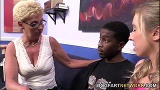 Mature unattractive and juvenile fuck dark 10-Pounder