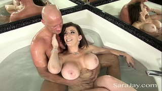 Sara jay copulates a hard dong in the tub