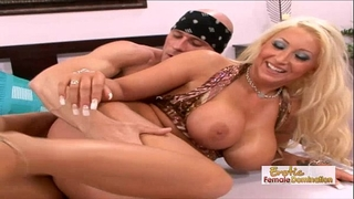 Skanky waitress acquires her pierced vagina screwed