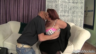 Fat booty housewife lynn eats cum