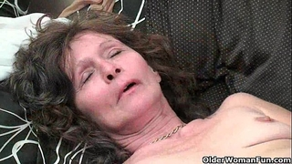 Saggy granny in nylons masturbates curly muff
