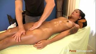 The masseur began fucking the juvenile thai customer