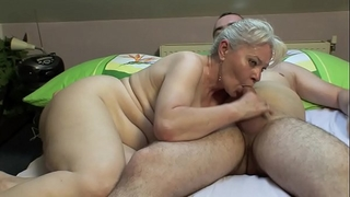 Bedroom sex by aged pair !!