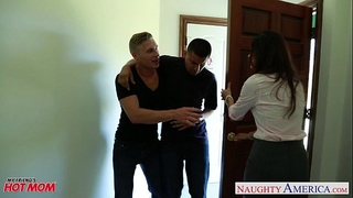 Nasty mama india summer receives trimmed cookie jizzed